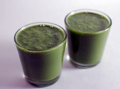 apple banana matcha smoothie  serves two  4 apples 1 banana 4 handfuls spinach 2 tablespoons matcha 2 tablespoons maca  Juice apples. Add to blender full of spinach, blend. Add banana, matcha, maca, blend.  I love my matcha…