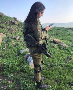 "1,267 Likes, 22 Comments - GIRLS DEFENSE IDF (@girlsdefense) on Instagram: ""Good Morning! Photo by @noapizik - #IDF #צהל #ArmyGirl #JewishGirl #Jewish ❤️#LoveIsrael #Israel…"""