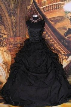 Vestido gótico negro largo