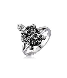 Vancaro offer the best and unique jewelry including promise rings, engagement rings, wedding rings and couple band rings for our customers. Vintage Rings, Vintage Jewelry, Unique Jewelry, Tortoise Ring, Turtle Ring, Turtle Jewelry, Marcasite Jewelry, Jewelry Design, Designer Jewelry