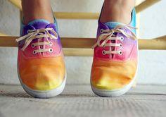 Petit Pot  DIY rainbow shoes