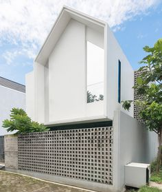 Architecture, Architecture Design Concrete Roster Outdoor Space Brick Fence Blue Sky Modern House: - Elements of at Tropical Residential