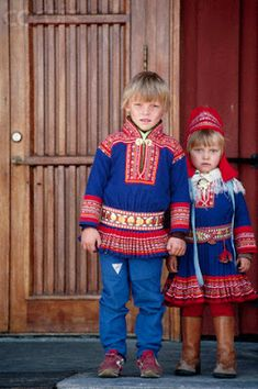 A Young Lapland Boy and Girl Wearing Traditional Dress in Kautokeino Norway by claudine L'art Du Portrait, Portraits, Folk Costume, Girl Costumes, Norwegian Clothing, Precious Children, Girls Wear, Traditional Dresses, Samara