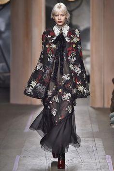 Confira as tendências ditadas pela Semana de Moda de Londres!