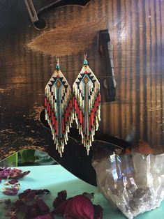 Seed Bead Jewelry, Bead Jewellery, Seed Bead Earrings, Diy Earrings, Beaded Jewelry, Seed Beads, Jewlery, Native Beading Patterns, Beadwork Designs