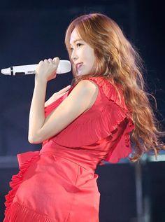 Jessica tung album kỷ niệm 10 năm vào tháng 8 đối đầu SNSD - Ảnh 1.
