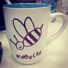 """Café com Mel. """"A abelha atarefada não tem tempo para a tristeza"""" (William Blake) #cafe"""