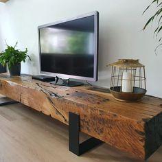 Wine Barrel Furniture, Rustic Wood Furniture, Industrial Design Furniture, Timber Furniture, Adams Furniture, Tv Furniture, Headboard From Old Door, Muebles Living, Reclaimed Wood Coffee Table