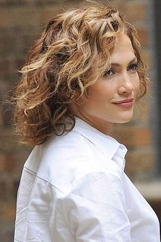 A heat wave is no time to book a blowout or pull out a flat iron. Let summer's reigning curl queens inspire you to embrace texture and major volume this summer: Jennifer Lopez.