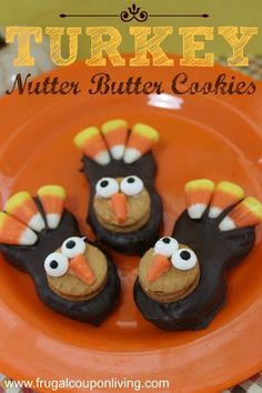 Turkey Nutter Butter Cookies Tutorial – Thanksgiving Food Craft great for a November or Fall Party #Thanksgiving #Turkey #Treat