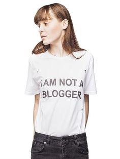 "ANNA K - ""I AM NOT A BLOGGER"" COTTON T-SHIRT - LUISAVIAROMA - LUXURY SHOPPING WORLDWIDE SHIPPING - FLORENCE"