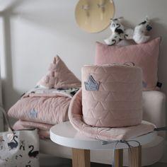 Girl Room, Baby Room, Nursery Ideas, Throw Pillows, Cushions, Nursery Room Ideas, Decorative Pillows, Girl Cave, Nursery