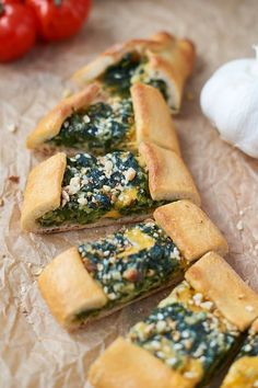 Pide with cheese and spinach filling - Turkish Recipes Easy Pide Recipe, Spinach Health Benefits, Turkish Recipes, Ethnic Recipes, Savoury Baking, Cheese Appetizers, Spinach And Cheese, Eating Raw, Everyday Food