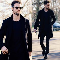 Mens Fashion and Style - All black outfit -Yes or no? Mode Masculine, Stylish Men, Men Casual, All Black Outfit, Black Outfits, Herren Outfit, Winter Mode, Mens Style Guide, Mens Fashion Suits