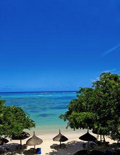 Enjoy the dreamy blue sea in Mauritius