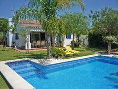 Expléndida Villa piscina privada, cerca de la playa de Conil. InternetAlquiler de vacaciones en Conil de la Frontera de @homeaway! #vacation #rental #travel #homeaway