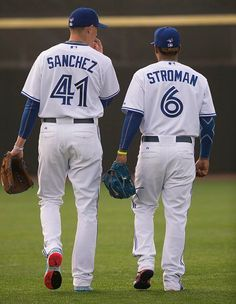 2016 Toronto Blue Jays starting pitchers Aaron Sanchez and Marcus Stroman Baseball Socks, Baseball Uniforms, Sports Uniforms, Baseball Players, Sports Teams, Baseball Cap, Baseball Toronto, Minnesota Twins Baseball, Blue Jay Way