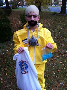 Google Image Result for http://mydisguises.com/wp-content/uploads/2011/11/breaking-bad-cosplay.jpg