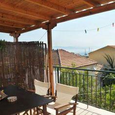 Überdachter Balkon mit Blick aufs Meer auf Paxos - Appartement Neptun http://www.korfu-ferienhaus-ferienwohnung.de/neptun