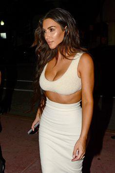 Click image to close this window – Kim Kardashian Khloe Kardashian, Kylie Jenner, Celebrity Outfits, Celebrity Style, Chic Outfits, Fashion Outfits, Kim K Style, Simple Style, Kim And Kanye