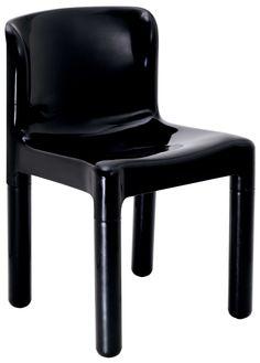 SEDIA 4875 (1974) di Carlo Bartoli. E' il pezzo della collezione Kartell che più si è avvicinato all'obiettivo di arrivare a un progetto di sedia più aderente alle caratteristiche del materiale impiegato, più economica, più comoda.