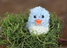 DIY Pom Pom Blue Bird Craft :: Easter and Spring Crafting