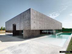 House in Urgnano // Matteo Casari Architetti | Afflante.com