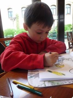 E relaxing and coloring at the Seasons Restaurant in the Sultanahmet