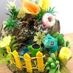 tasty donut ;) ________ #bulbasaur #pokemon #pokemondiorama #dioramaland #sharksnail Bulbasaur, Snail, Tasty, Christmas Ornaments, Holiday Decor, Home Decor, Dioramas, Pokemon Images, Miniature