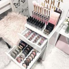 Makeup Vanity ideas #vanity (Vanity mirror)