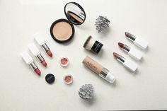Makeup Gift Ideas for Friends Blush, Lipstick, Friends, Makeup, Gifts, Gift Ideas, Beauty, Amigos, Make Up