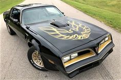 The Pick of the Day is a 1977 Pontiac Firebird Trans Am SE thats a dead ringer for the car driven by Burt Reynolds in Smokey and the Bandit Pontiac Firebird Trans Am, Firebird Formula, Pontiac Trans Am 1977, Best Muscle Cars, American Muscle Cars, My Dream Car, Dream Cars, 1977 Trans Am, Bandit Trans Am