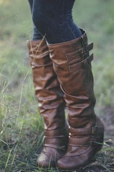 Laura from Roots & Feathers wearing her Blowfish Boots