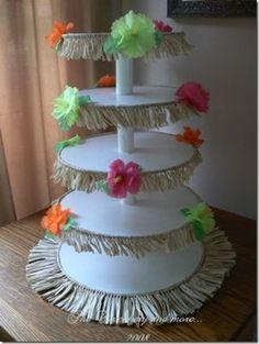 Stand de cupcakes para una fiesta Luau o hawaiana.