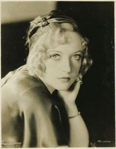 "The photo ""Marion Davies"" has been viewed 285 times. Hollywood Glamour, Classic Hollywood, Old Hollywood Movies, Hollywood Actresses, Marion Davies, Silent Film Stars, Old Movie Stars, Thing 1, Yesterday And Today"