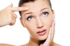 How to prevent wrinkles on face? Get rid of wrinkles. Best ways to deal with wrinkles. Tips to erase wrinkles with the help of natural ingredients. Under Eye Wrinkles, Face Wrinkles, Prevent Wrinkles, Beauty Care, Beauty Makeup, Hair Beauty, Face Skin, Face And Body, Beauty Secrets