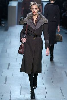 Louis Vuitton Fall 2005 Ready-to-Wear Collection Photos - Vogue