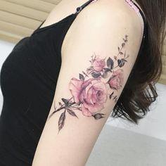 #tattoo#tattoos#tattooing#tattoowork#flowertattoo#rosetattoo#flower#flowers#tattooed#armtattoo#타투#꽃타투#장미타투#컬러타투#팔타투#타투이스트꽃#tattooistflower rose ss