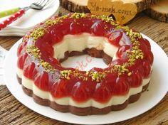 Prenses Tacı Tatlısı Resimli Tarifi - Yemek Tarifleri Delicious Desserts, Dessert Recipes, Yummy Food, Oreo Desserts, Turkish Recipes, Italian Recipes, Lazy Cake, Cranberry Bliss Bars, Turkish Sweets