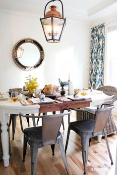 Thanksgiving table at the Inspired Room.