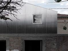 BAST  · M03 Réhabilitation et Surélévation d'une maison · Divisare