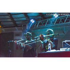 Metais finíssimos |- CIDADE VERDE SOUNDS 13/11 no Brasuca #reggaemusic #reggaevive #dub #bobmarley #cidadeverdesounds #paralelourbano #music #sonoridades #brasuca #bolachassonoras #seletas #discotecagem #realdjs #turntablism #djs paralelo urbano by paralelourbano http://ift.tt/1HNGVsC