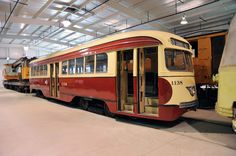 Pittsburgh PCC Trolleys | Pittsburgh Railways PCC 1138, Pennsylvania Trolley Museum, Arden ...
