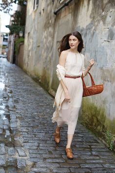 Take this maxi dress on a stoll: Maison Jules Spring 2014 Collection Cream Long Dresses, Simple White Dress, Picnic Style, Spring 2014, Spring Summer Fashion, Spring Style, Me Gustas, Paris Fashion, Fashion Outfits