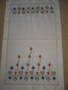 Güzel Cross Stitch Borders, Bargello, Bohemian Rug, Embroidery, Decor, Crossstitch, Hardanger, Cross Stitch, Drawings