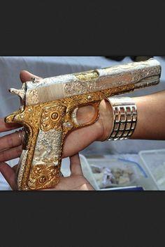 Gaudy: A gold-plated Colt Super 38 Automatic handgun was recovered by security services in the battle against Mexican drug cartels. Weapons Guns, Guns And Ammo, Colt M1911, Colt 45, Armas Ninja, Gun Art, Custom Guns, Custom 1911, Cool Guns