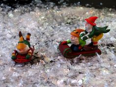 """Dept 56 Christmas Village Accessory """"TESTING THE TOYS"""" Snow Village #60"""