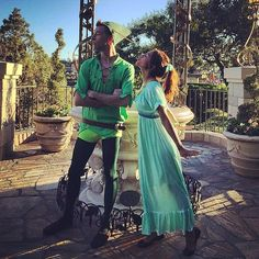 Disney Halloween couple costume: Peter Pan and Wendy