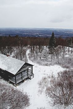 Cabin on top of the mountain / photo by Valerie Manne