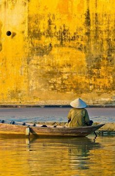 My World of Colours Colors Of The World, Beautiful Vietnam, Monochrom, Shades Of Yellow, Happy Colors, Mellow Yellow, Color Yellow, Color Theory, My Favorite Color